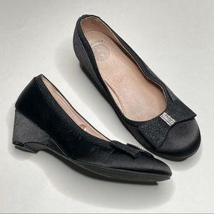 So Satin Low Wedge Dress Shoe Rhinestone Bow